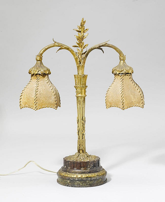 TABLE LAMP, Art Nouveau. Bronze and marble.