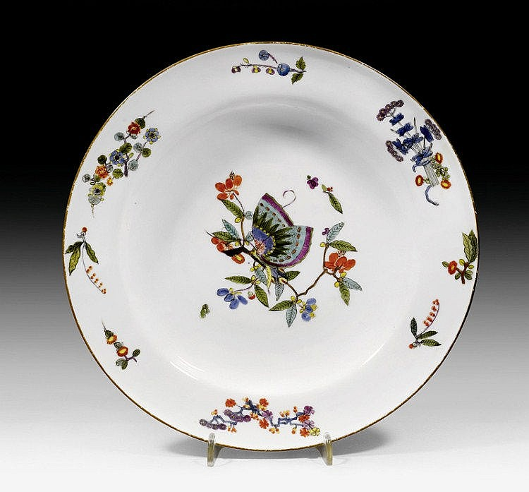 PLATE WITH BUTTERFLY DECORATION, Meissen, circa