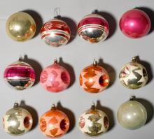 LOT OF CHRISTMAS TREE DECORATIONS,