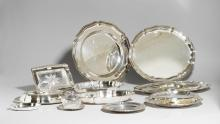 GROUP OF PIECES OF TABLEWARE.