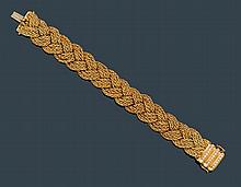 GOLD AND DIAMOND BRACELET, ca. 1950.Yellow gold