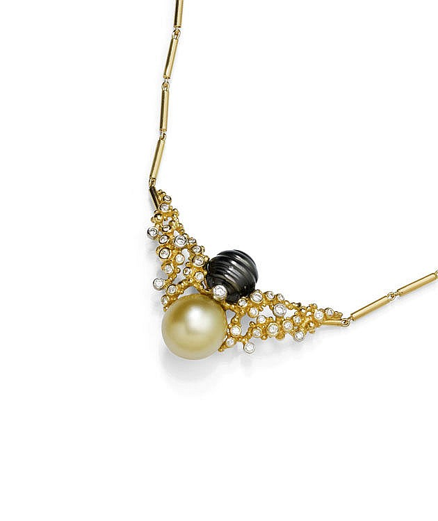 PEARL AND DIAMOND NECKLACE WITH RING, GILBERT