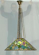 DECKENLEUCHTER, in der Art von Tiffany, Ende 20.