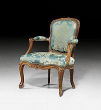 FAUTEUIL 'EN CABRIOLET', Louis XV, France ca.