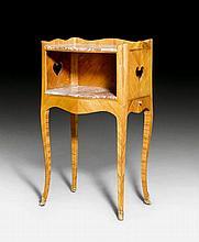 GUERIDON 'table de chevet', Louis XV, stamped L.