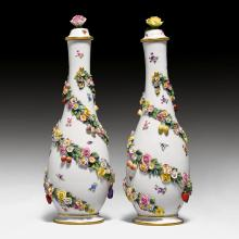 PAIR OF MEISSEN BOTTLE VASES WITH FLOWERS,