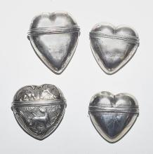 LOT OF 4 HEART-SHAPED SMELLING SALT TINS IN SILVER,