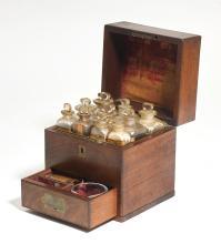 SMALL APOTHECARY'S BOX