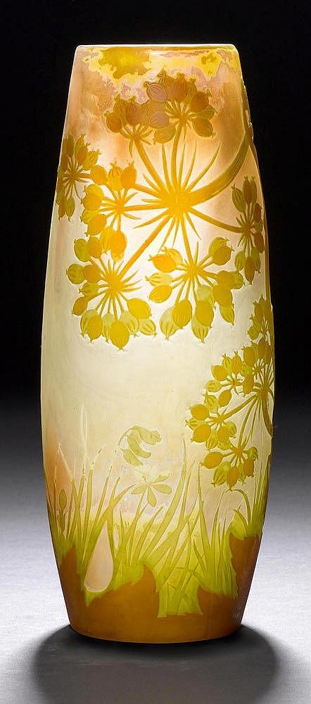 emile galle vase um 1900 weisses glas gelb gr n berfangen. Black Bedroom Furniture Sets. Home Design Ideas