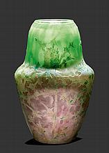 DAUM NANCYVASE, um 1900Grün, lila Glas weiss