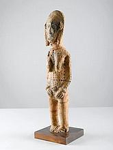 BAMANA FIGURMali. H 82 cm. Terrakotta.Provenienz: