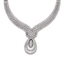 DIAMOND AND GOLD NECKLACE WITH EARRINGS.