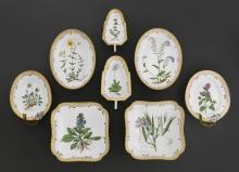 8 PIECES FROM A 'FLORA DANICA' SERVICE,
