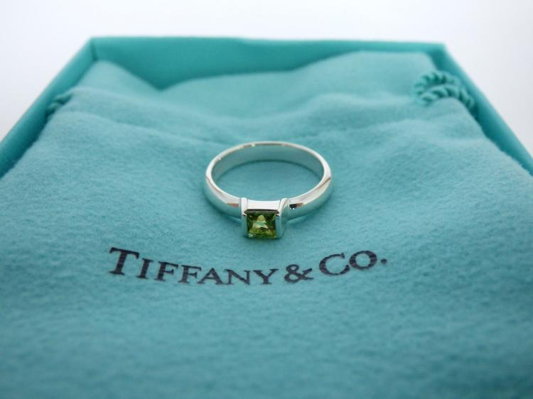 a9facce97 TIFFANY STERLING SILVER PERIDOT SQUARE STACKING RING