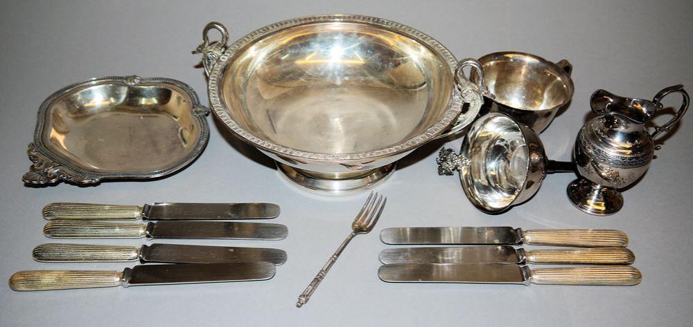 Sammlung Versilbertes: Zierschalen, Tischgerät & Besteck