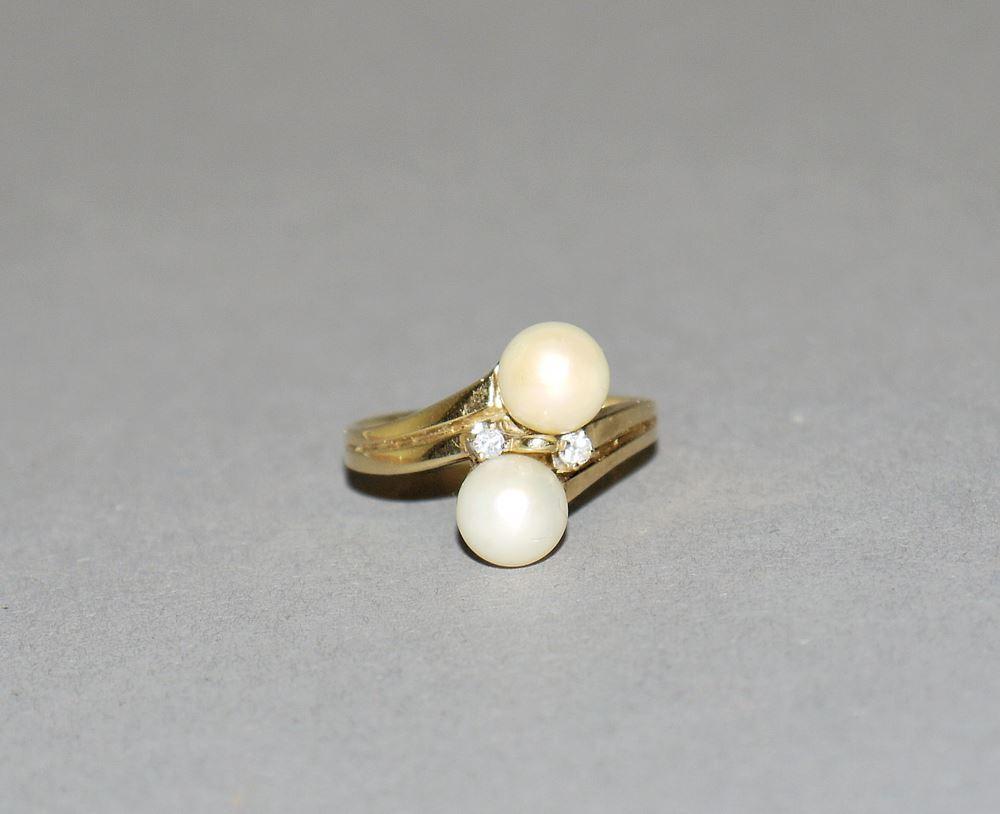 Perlenring mit Brillanten, Gold