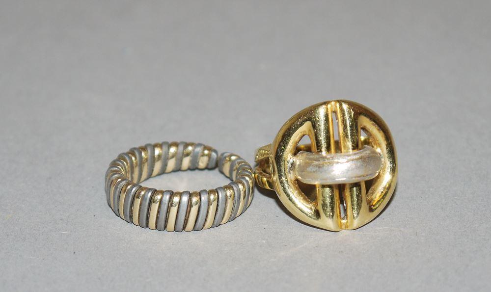 Zwei moderne Ringe, Gold/Gold mit Titan