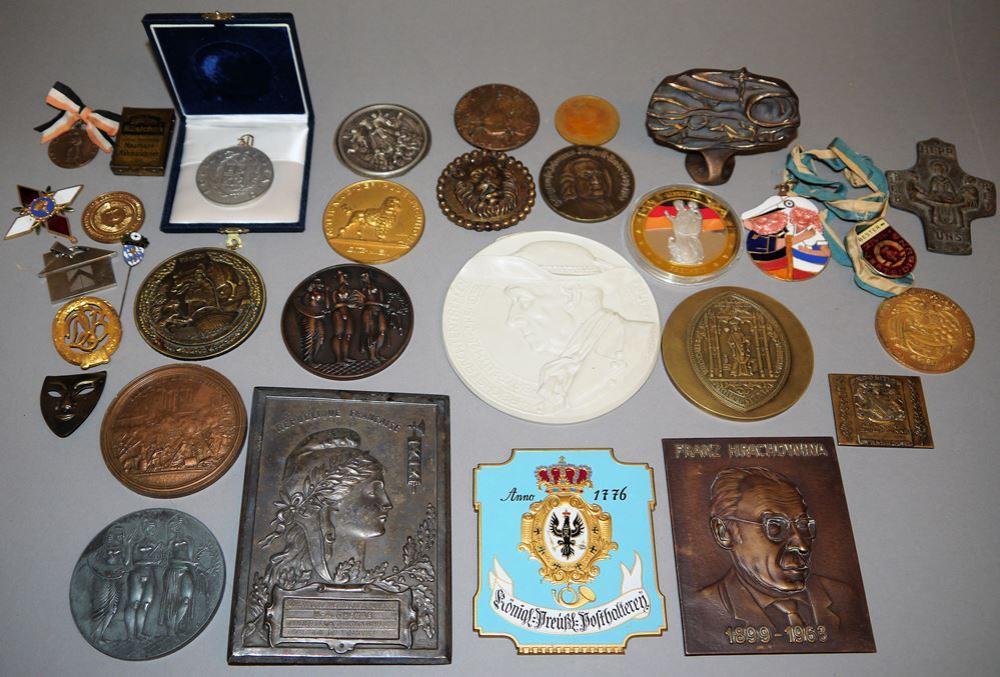 Sammlung Medaillen und Plaketten, Bronze bis Porzellan ab 1789