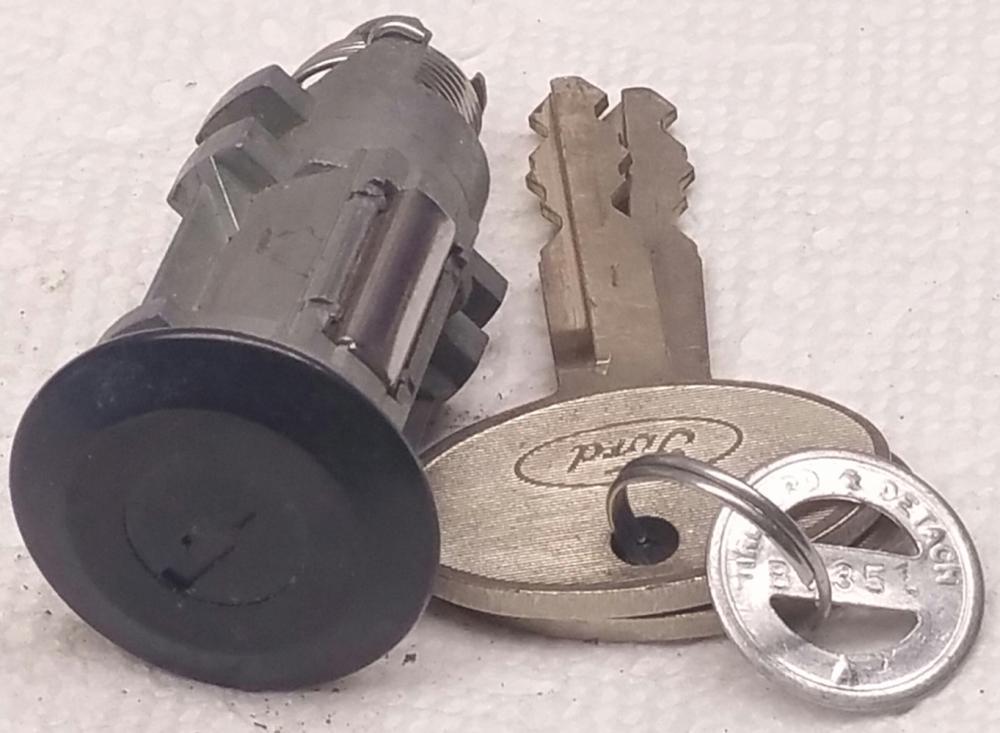 1 New Mustang Ford Trunk Lock 2 Original Keys And Code Tag