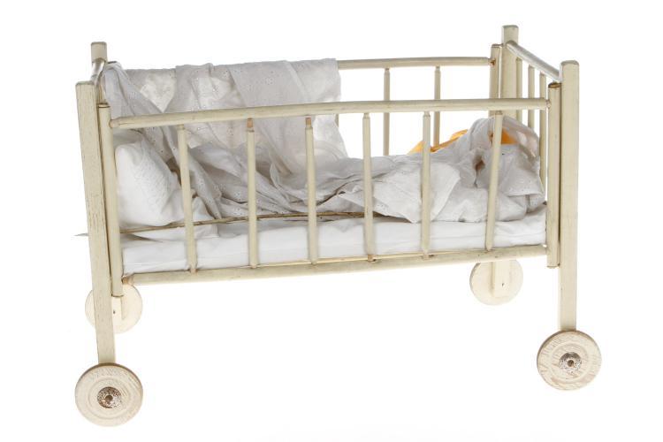 puppenbett. Black Bedroom Furniture Sets. Home Design Ideas