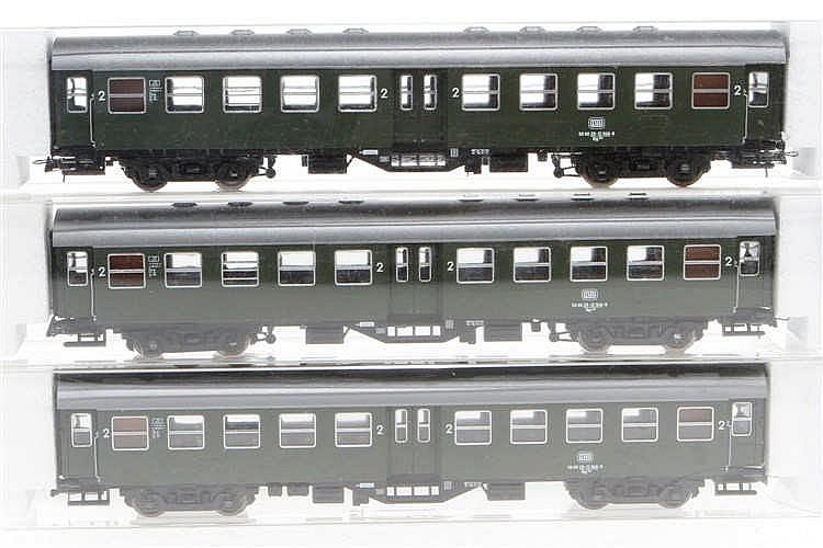 3 Roco Personenwagen 4250 S