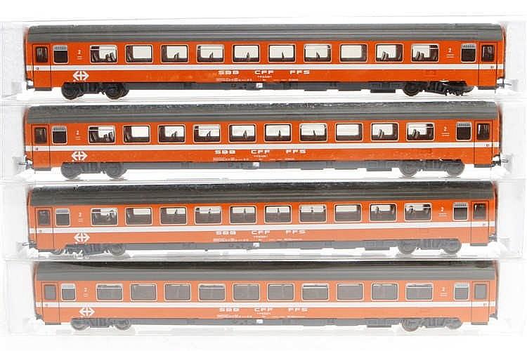 4 Heris Wagen 13020-1/2 und 13021-1/2
