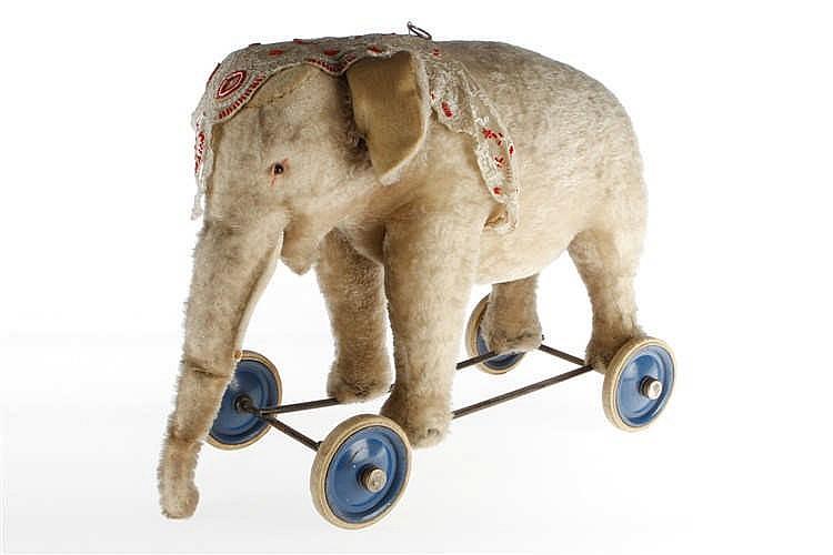Elefant zum Nachziehen