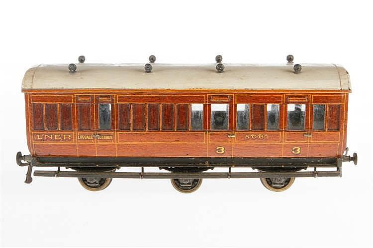 Englischer Personen-/Gepäckwagen LNER 8061