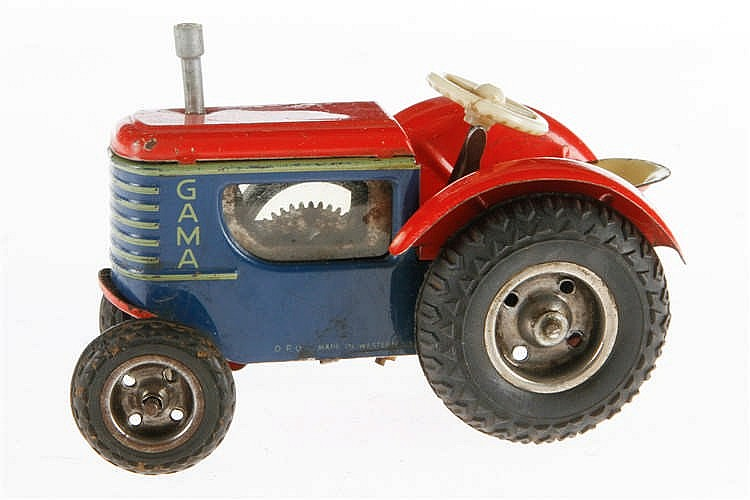 Gama Traktor
