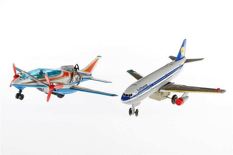 Joustra und TN Flugzeug