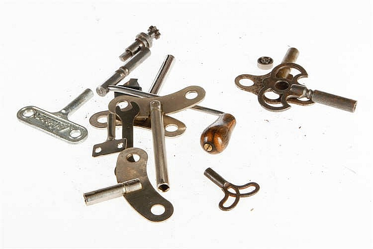 Konv. mit versch. Uhrwerkschlüsseln