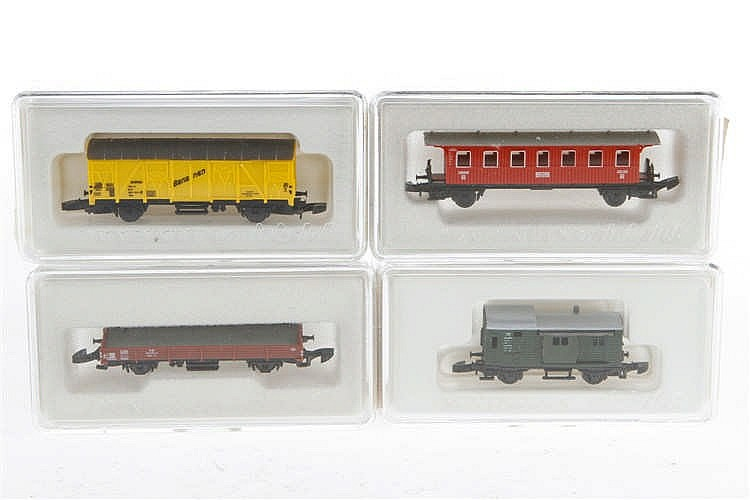 4 Märklin Mini-Club Wagen