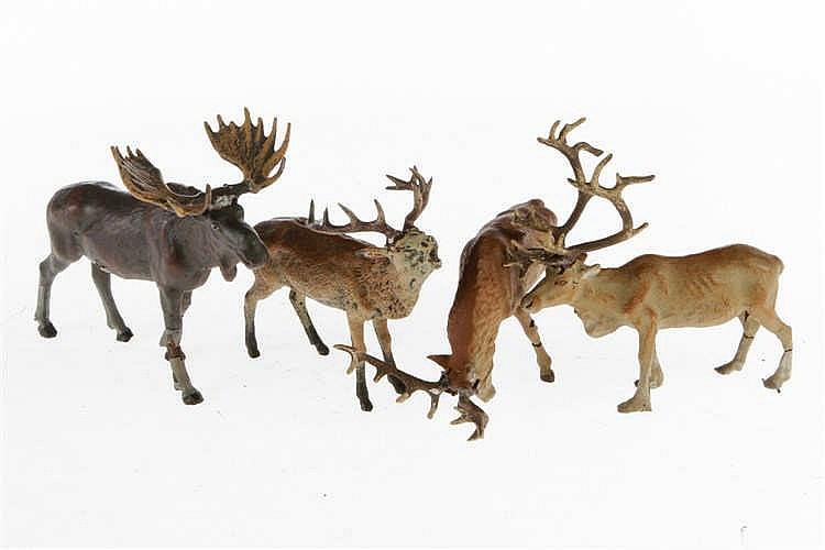 3 L Hirsche und 1 Elch