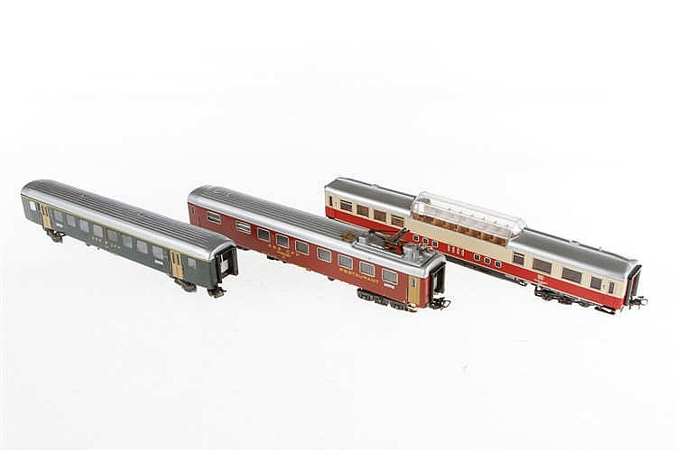 3 Märklin Wagen 4066/4068/4099