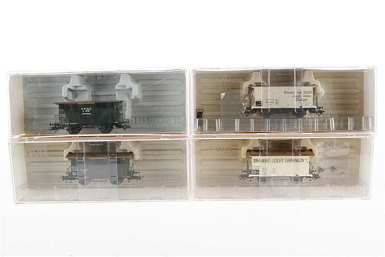 4 Brawa Güterwagen