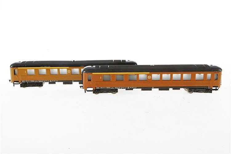 2 Fleischmann Personenwagen 1414 SJ