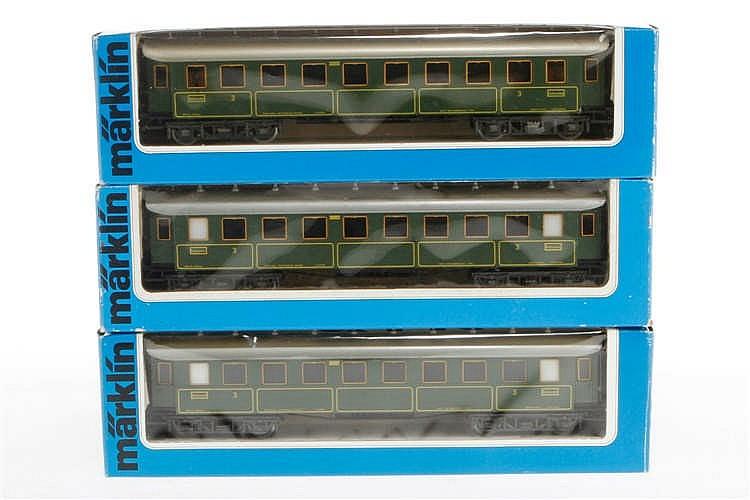 3 Märklin Personenwagen 4135