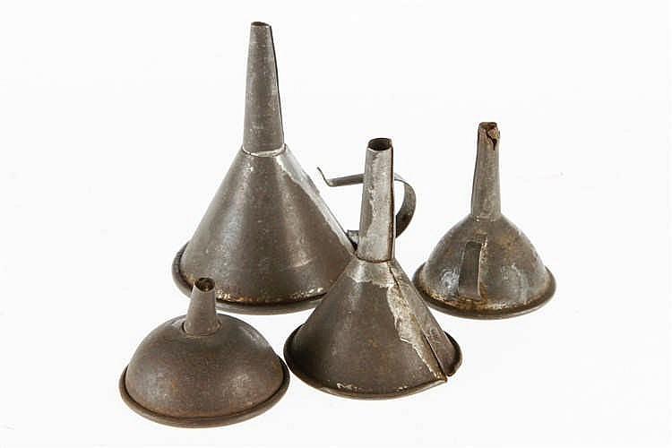 4 Trichter für Dampfmaschinen