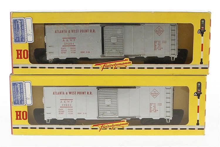 2 Fleischmann amerikanische Güterwagen 1428