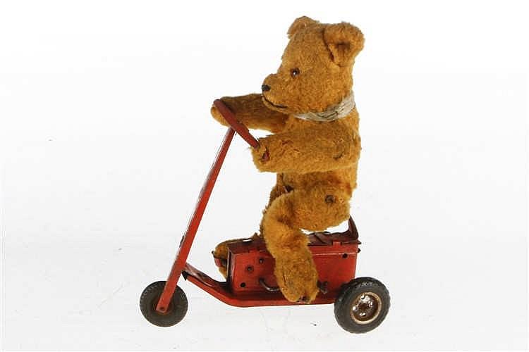 Teddy auf Dreirad