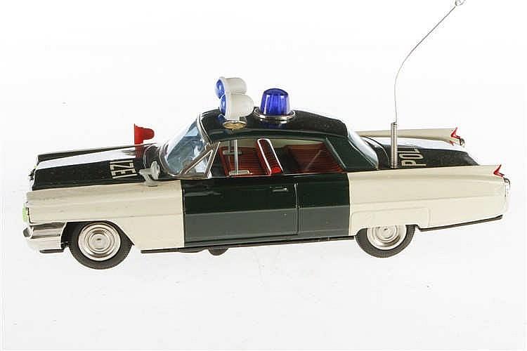 Ichiko Polizeiauto
