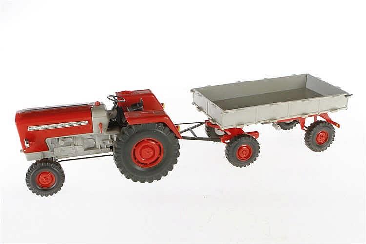 Piko Electric Traktor mit Anhänger