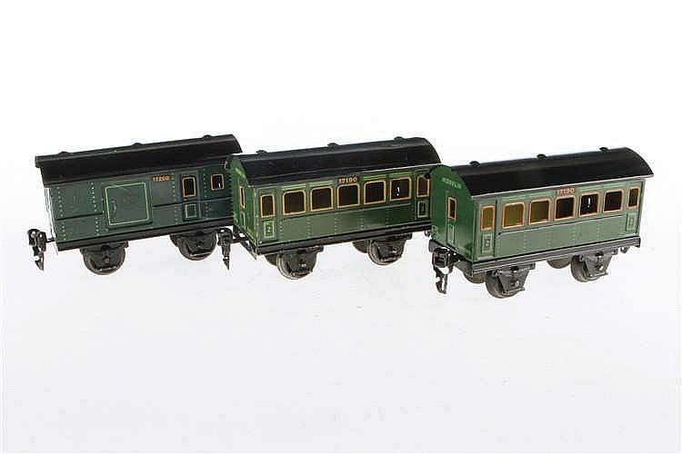 2 Märklin Personen- und 1 Gepäckwagen 1719/1720