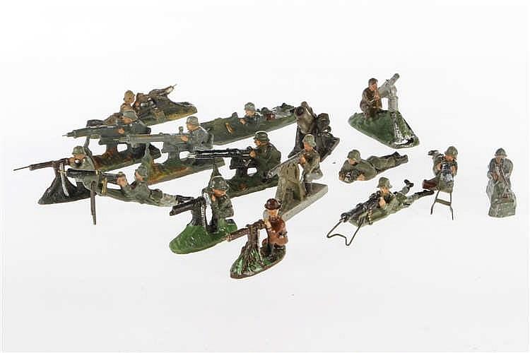 Konv. mit versch. schießenden Soldaten