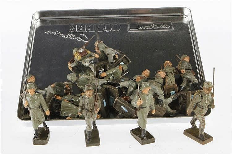 Konv. mit versch. Soldaten