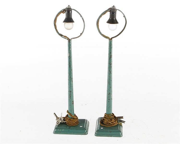 2 Märklin Ringkopf-Bogenlampen 13447