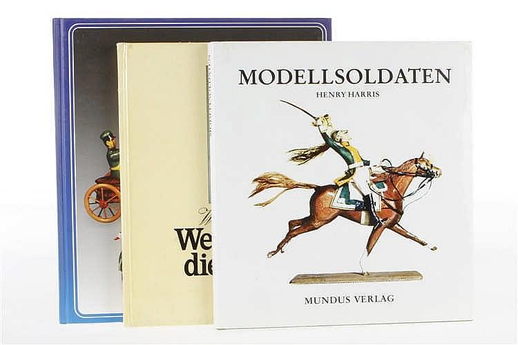 3 Spielzeugbücher