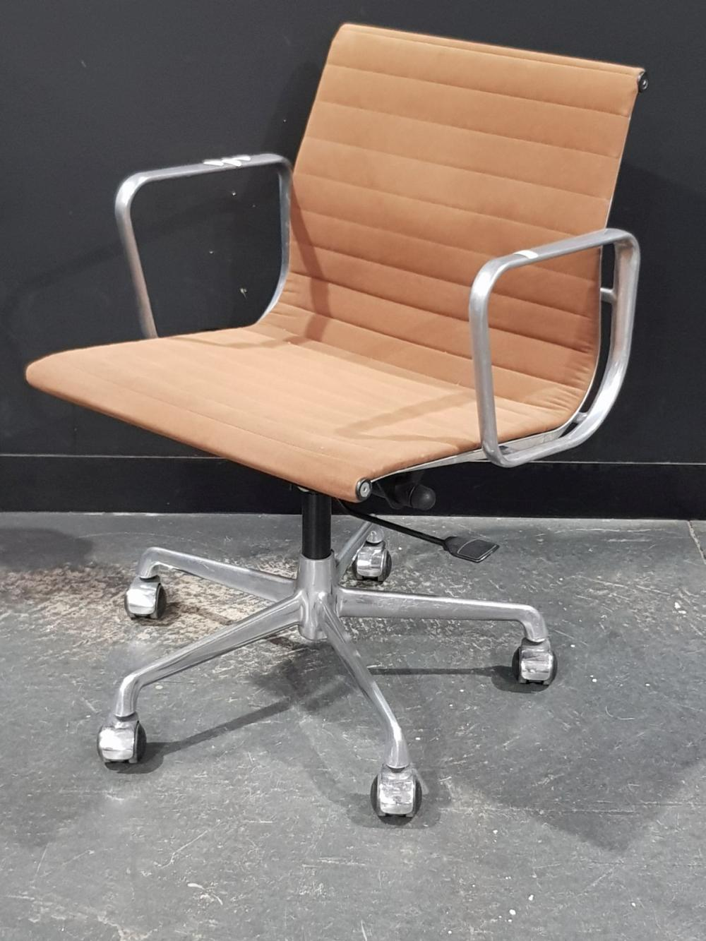 ICF Eames Gas Lift Office Chair