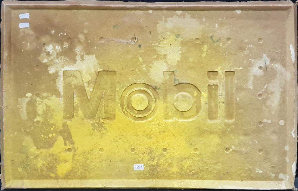 Vintage Mobil Sign