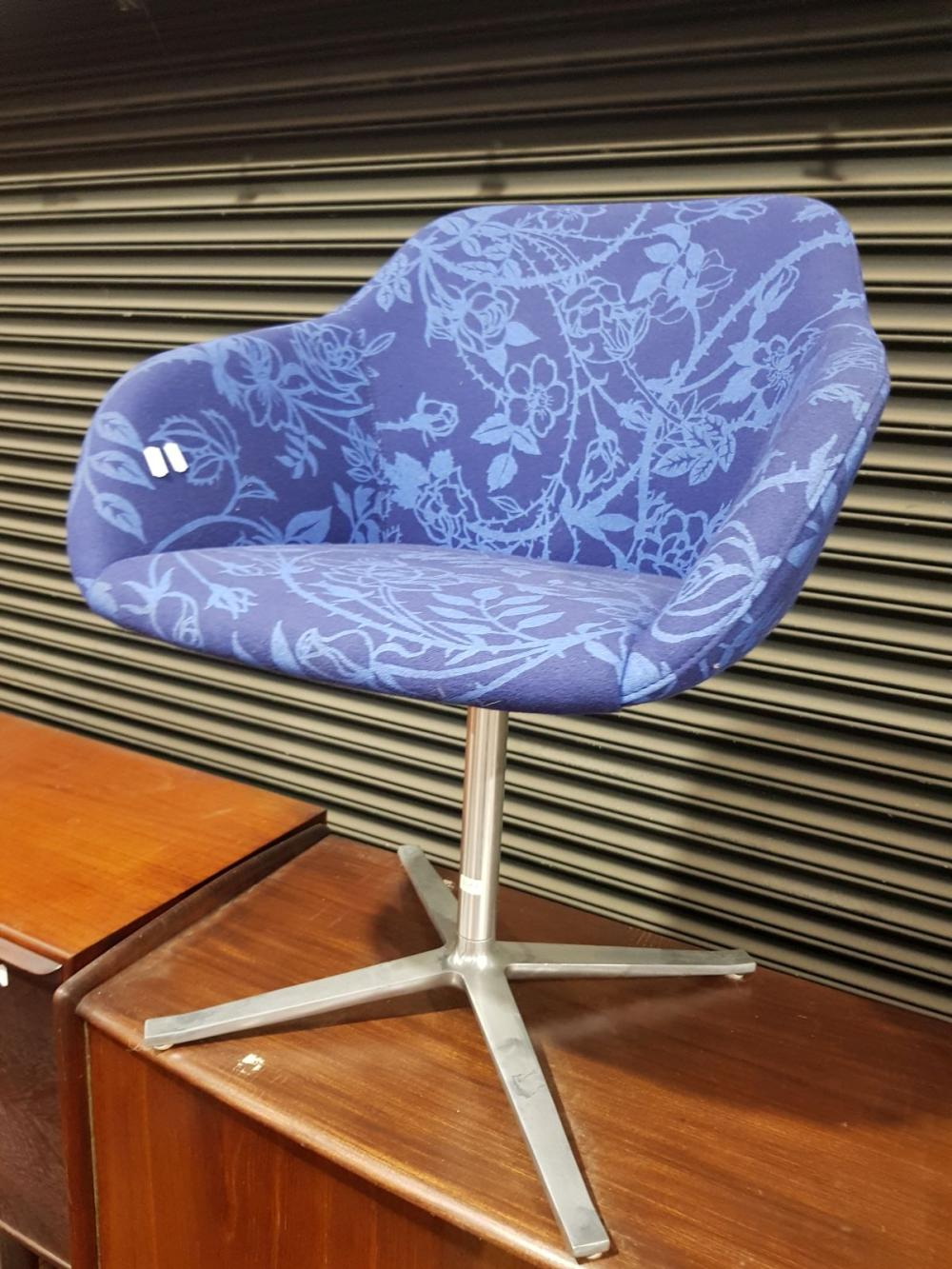 Knoll Blue Fabric Swivel Chair